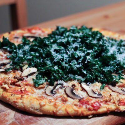 {yummy pizza topper} Kale Salad
