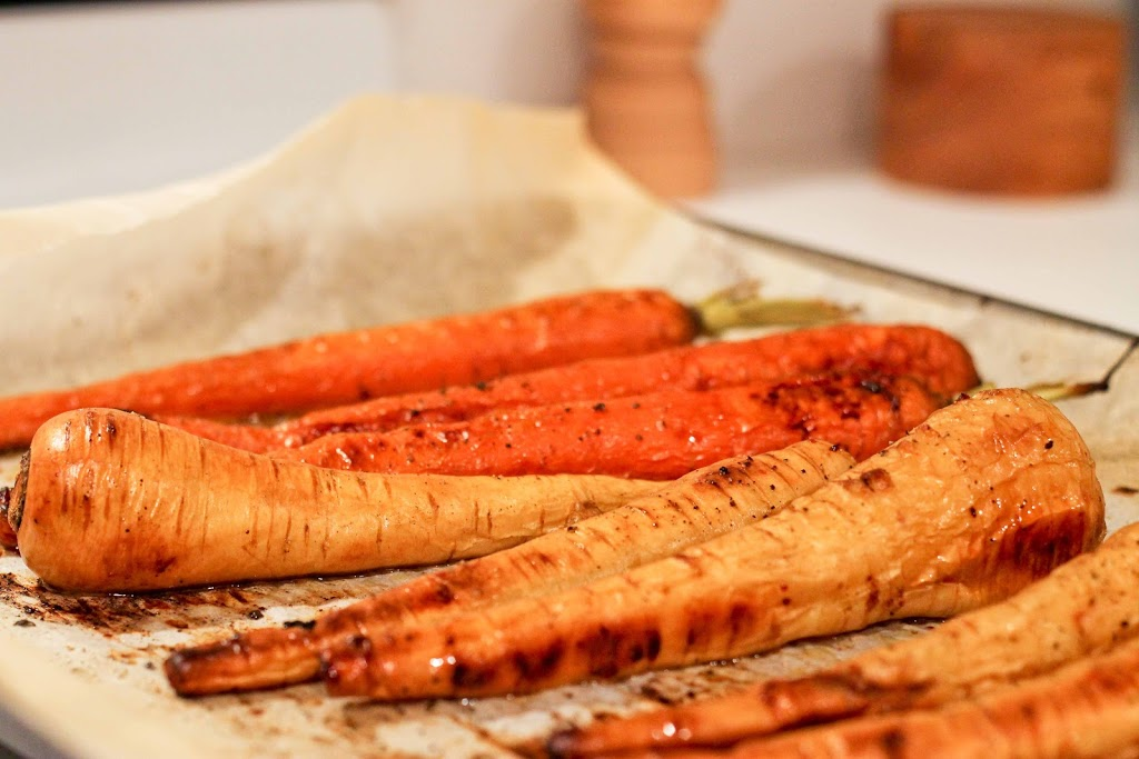 Honey Roasted Carrots and Parsnips | love & zest