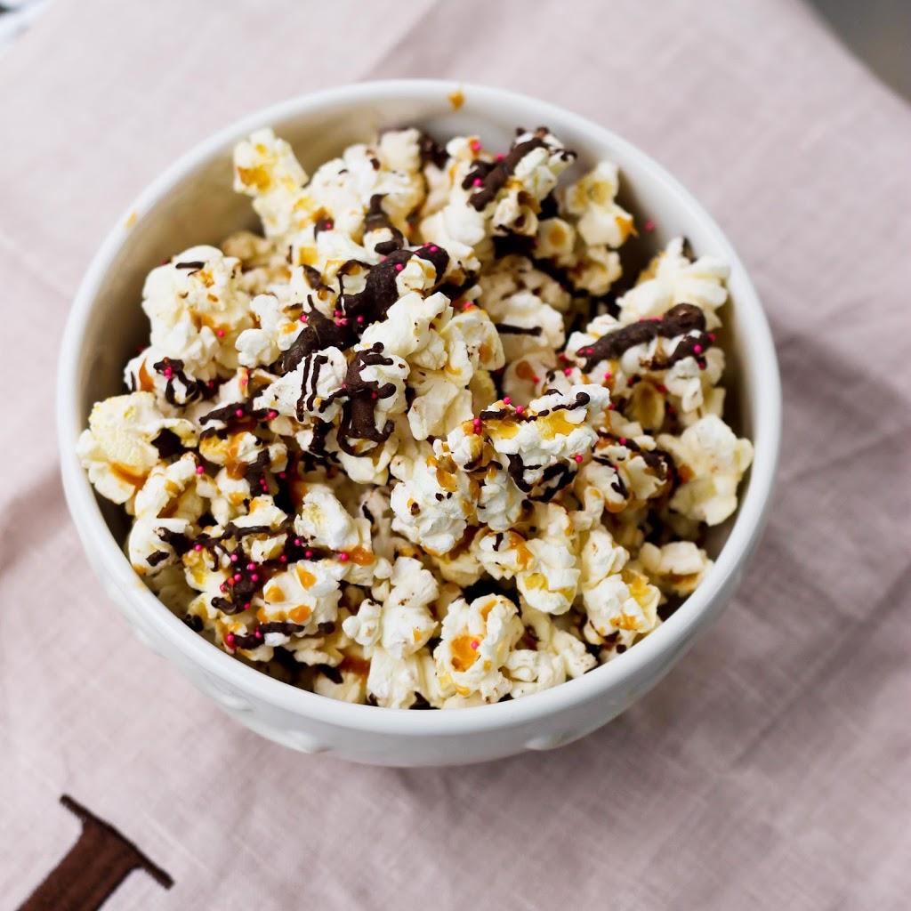 Salted Caramel and Dark Chocolate Popcorn | love & zest