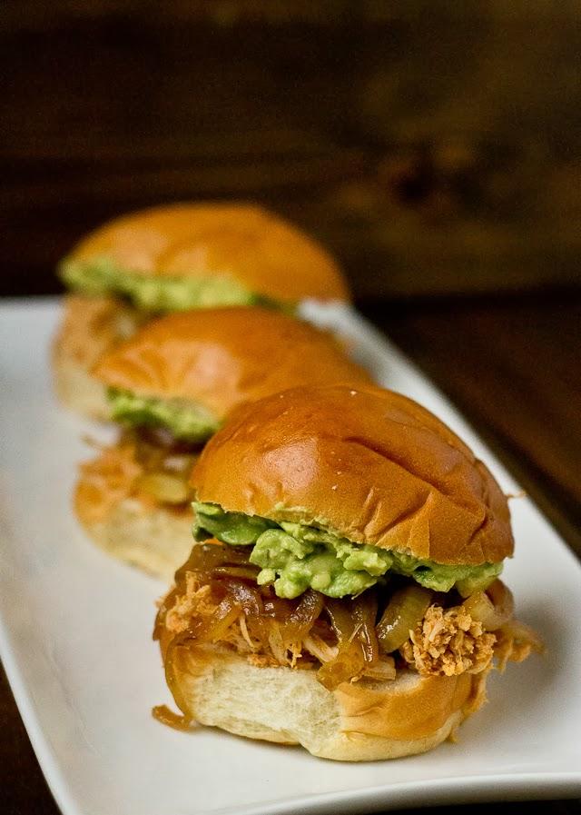 Pulled-Chicken-Avocado-Sliders-6125