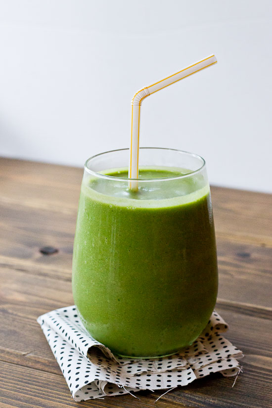 Peanut butter lovers beware: this PB Lovers' Detox Smoothie will have you weak in the knees. Grab a straw, you PB crazies and get your detox on!