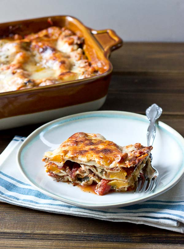 Butternut Squash Lasagna... so simple so good!!!! Lots of quick weeknight dinner ideas to make life more simple.