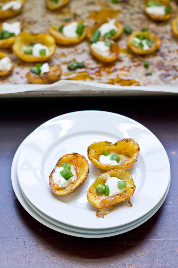 These Healthy Potato Skin Poppers are a crowd pleaser and would make a great Super Bowl party appetizer. Their smokey flavor and creamy texture will keep 'em going back for more. Vegetarian and Gluten Free.