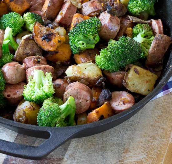 Start your day off with a hearty breakfast and enjoy this Chicken & Veggie Breakfast Skillet made with mushrooms, onions, broccoli, potatoes, and chicken sausage. Veggie packed and husband approved.