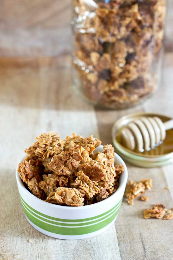 Granola lovers get ready, this classic cereal combo has been taken up a notch with peanut butter! This PB Oats & Honey Granola features honey toasted oats, crunchy almonds and flax, and that yummy peanut butter flavor.