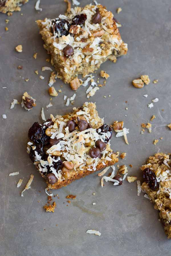 These Soft Baked Oatmeal Chocolate Chip Bars are soooooft and oooh so gooooewy. Healthy enough for a breakfast bar or enjoy as snack or dessert any time of day. Love the chocolate chunks in every bite! Vegan and Gluten Free.