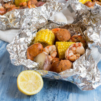 The traditional low country boil just got easier with these Low Country Boil Foil Packs that are ready for the grill, any day of the week! These packs are less fuss and take only minutes to put together.