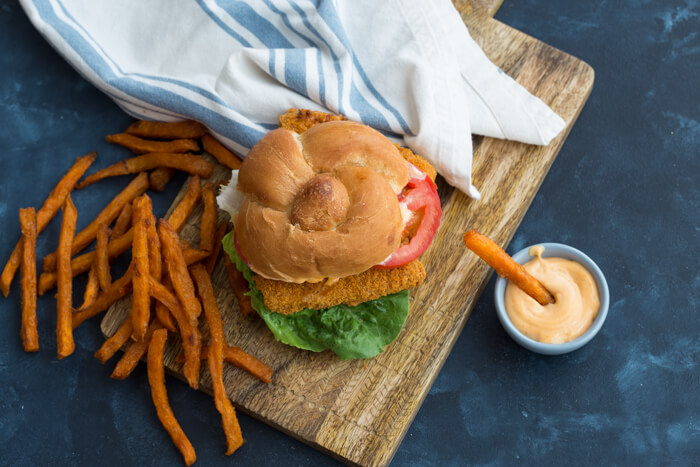 Want to bring home restaurant style flavor and have it on the table in less than 25 minutes? Get this Crispy Fish Sandwich with Sriracha Mayo Dressing on the menu!