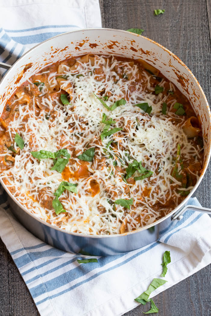 Healthy Hamburger Helper Lasagna Skillet, OMG! This dinner is genius: one pot on