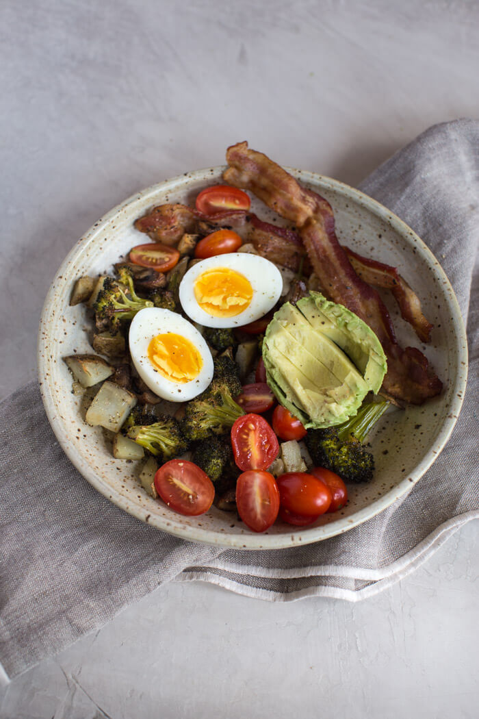 avocado breakfast bowl with eggs
