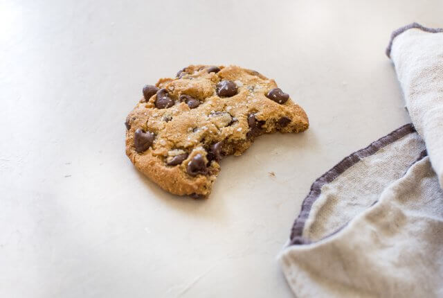 gluten free vegan almond flour chocolate chip cookies
